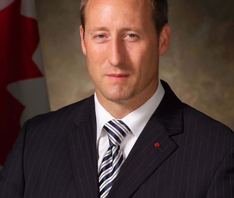 John Ivison: As big names drop out, Conservative leadership race is now Peter MacKay's to lose